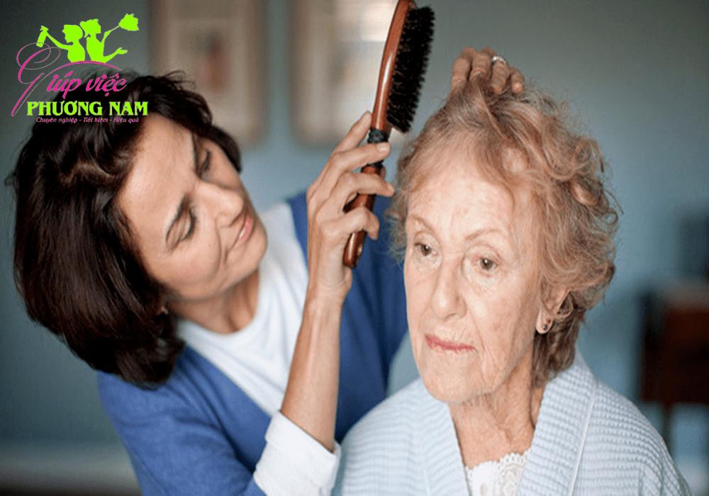 Cần người chăm sóc người già chuyên nghiệp